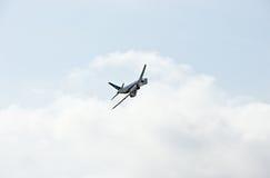 Demonstração militar do vôo na mostra de ar 2009 Fotografia de Stock