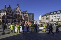 Demonstrações do ` s do trabalhador em Romerberg Francoforte fotos de stock
