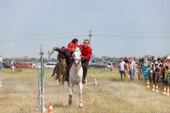 Demonstracja Kozacki equestrian klub sportowy z akrobatycznymi elementami i sztuczkami zdjęcie stock