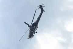Demonstracja lot walczący szoka Mi-28ne helikopter przy pokazem lotniczym ` MAKS-2017 ` Fotografia Royalty Free