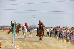 Demonstracja występy Kozacki equestrian klub sportowy z używają bronie palne obraz stock