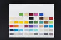 Demonstrador da cor de papel com números no preto imagem de stock royalty free