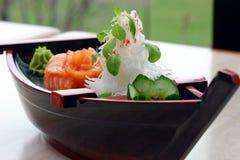 Demonstrador do sushi do barco imagem de stock royalty free