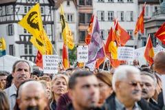 Demonstranci protestuje przeciw Tureckiemu prezydentowi Erdogan polic Obraz Royalty Free