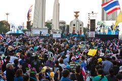 Demonstrantanti--regering  royaltyfri foto