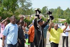Demonstranter i Ferguson, MO Arkivbild