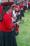 Demonstratie van oude alpaca het weven tradities Stock Foto's