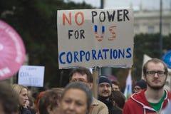 Demonstratie in Wenen tegen vrije handelsovereenkomsten TTIP Stock Foto