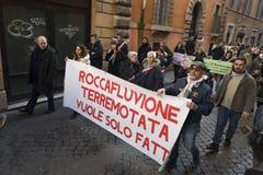 Demonstratieaardbeving centraal van Italië Stock Fotografie