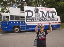Demonstratiesysteem tegen Christie aangezien hij voor Voorzitterschap verklaart Stock Fotografie