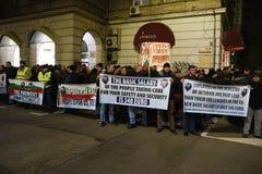Demonstration av bulgariska poliser i Sofia som begär en 15% förhöjning i lön, för att formulera en ny lag för inrikesministeriet Arkivbilder