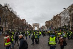 Demonstration av 'Gilets Jaunes i Paris, Frankrike royaltyfria foton