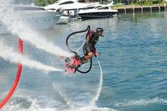 Demonstration av Zapata Racing den vatten framdrev flugan Royaltyfria Foton
