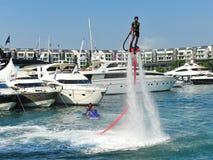 Demonstration av Zapata Racing den vatten framdrev flugan Arkivfoton