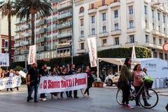 Demonstration för gatorna royaltyfria bilder