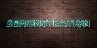 DEMONSTRATION - fluorescerande tecken för neonrör på murverk - främre sikt - 3D framförd fri materielbild för royalty vektor illustrationer