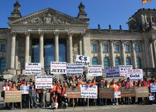 Demonstration in front Berlin Parliament/Reichstag Stock Photography