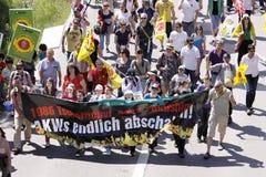 Demonstration gegen das Atomkraftwerk lizenzfreies stockbild