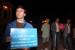 Demonstration gegen die homosexuellen Familien, die Manuf bewegen, gießen Tous Lizenzfreies Stockfoto