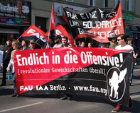 Demonstration am Maifeiertag in Berlin Stockbilder