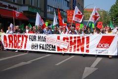 Demonstration am Maifeiertag in Berlin, Deutschland Stockbilder