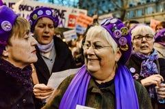 Demonstration på internationella kvinnors dag 2016 i Madrid, Spanien Arkivfoto