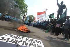 Demonstrationlöneförhöjning i bränslepriser Royaltyfria Foton