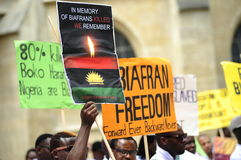 Demonstrations--Indigeniousleute von Biafra Stockbilder