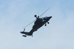 Demonstrationsflug von Hubschrauberangriff Eurocopter-Tiger UHT Lizenzfreie Stockfotos