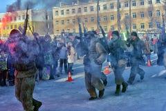 Demonstrationskapaciteten av den ryska armélandningen gå i skaror in Arkivbild