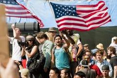 demonstrationsla upptar samlar Fotografering för Bildbyråer