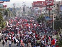 Demonstrationszug agaist Juan Orlando Zahl 25 Hernandez am 12. Januar 2018 Lizenzfreie Stockfotografie
