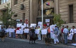 Demonstruje przy wekslowym rynkiem Santiago, Chile Obrazy Royalty Free