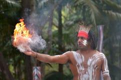 Demostración aborigen de la cultura en Queensland Australia imagen de archivo