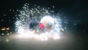 Demostración asombrosa del fuego almacen de metraje de vídeo
