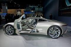 Demostración auto de París, coche de competición eléctrico del jaguar Imagen de archivo