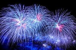 Demostración azul de los fuegos artificiales Imagen de archivo libre de regalías