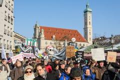 Demostración contra fuerzas de la OTAN de la presencia en Europa y eastwar Imagen de archivo libre de regalías