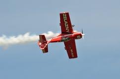 Demostración de aire - plano acrobático Fotografía de archivo libre de regalías