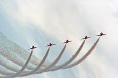 Demostración de aire roja de las flechas Imagenes de archivo