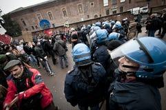 Demostración de estudiante en Milano el 22 de diciembre de 2010 Imagen de archivo libre de regalías