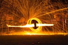 Demostración de la danza del fuego Imagenes de archivo