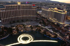 Demostración de la fuente de Bellagio, estado América de Las Vegas Nevada Imagen de archivo libre de regalías