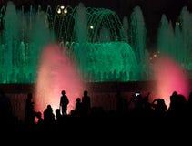 Demostración de la fuente de la noche foto de archivo libre de regalías