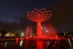 Demostración de la luz de la noche en el árbol de la vida 10, EXPO Milán 2015 Foto de archivo