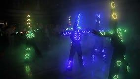 Demostración de la luz LED en la demostración del laser almacen de metraje de vídeo