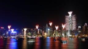 Demostración de los fuegos artificiales de la cuenta descendiente en Hong-Kong Imagen de archivo libre de regalías