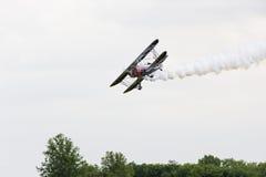 Demostración de Rogers Air en biplano Imagenes de archivo