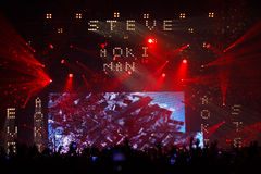 Demostración de STEVE AOKI en 808 el FESTIVAL 2013 fotos de archivo