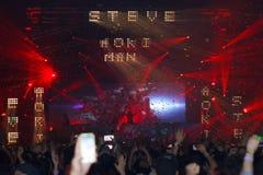 Demostración de STEVE AOKI en 808 el FESTIVAL 2013 imagenes de archivo